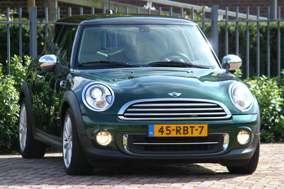 Mini Cooper 1.6 122PK 10 Years Anniversary edition TE LAAT!!