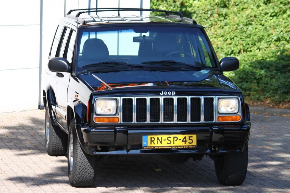 Jeep Cherokee 4.0L Automaat Classic 60years anniversary TE LAAT!!