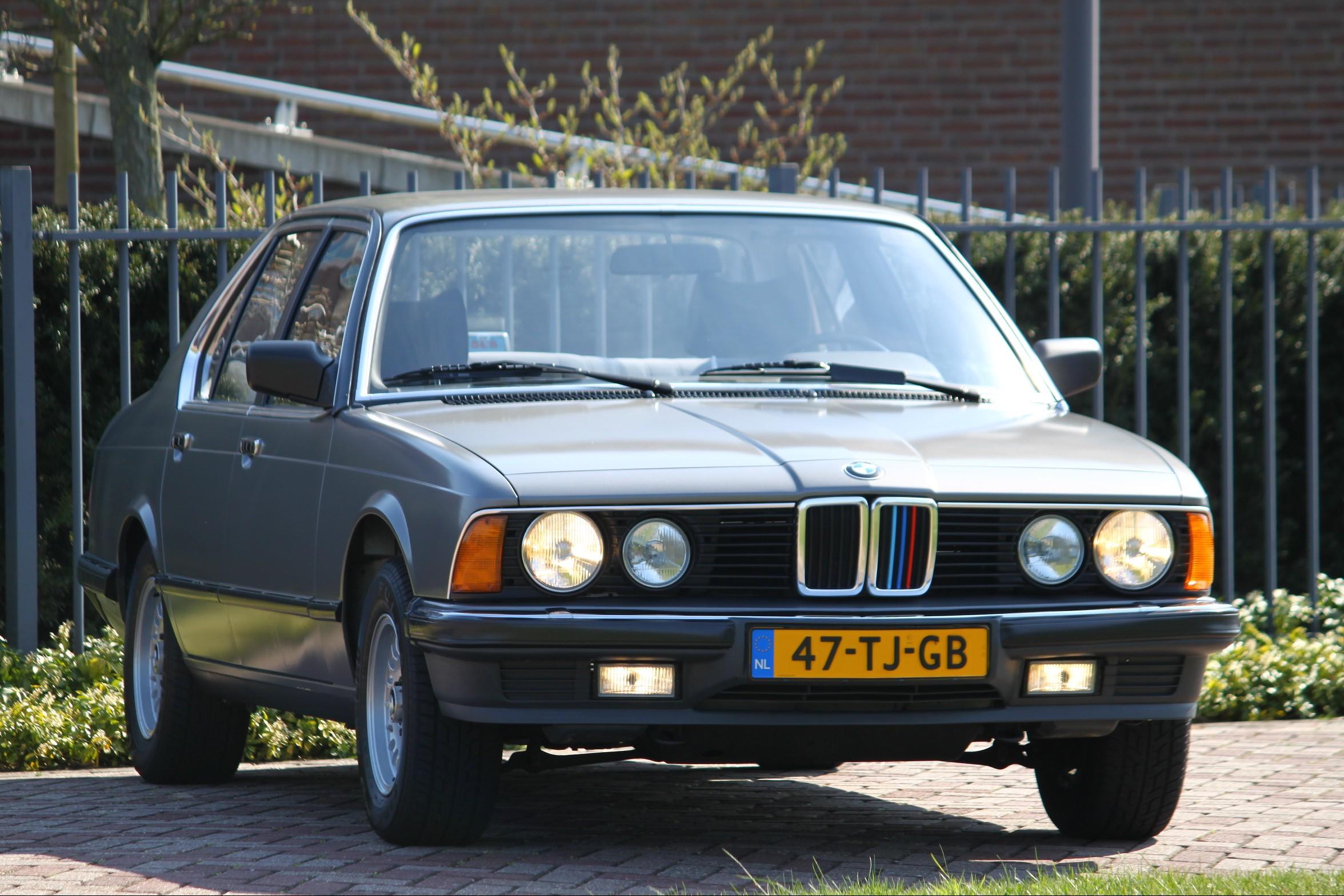 BMW 728i met slechts 43dkm gereden!