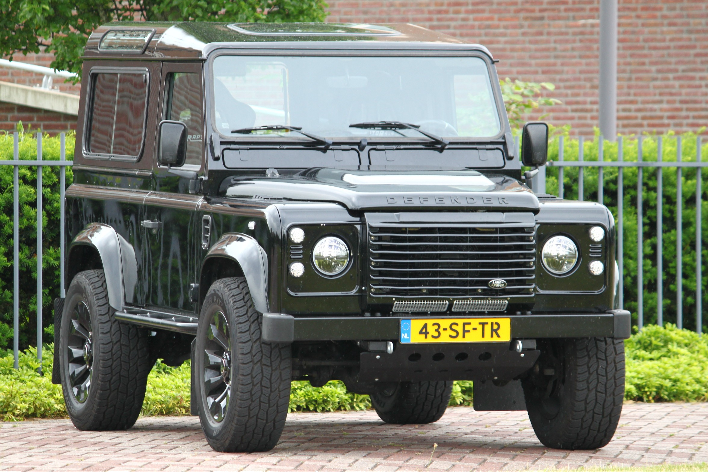 Land Rover Defender 2.5 TD5 Special Sparco Edition TE LAAT!!